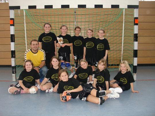 Die weibliche E-Jugend 2010/2011 von Betreuer Christian Steurer.