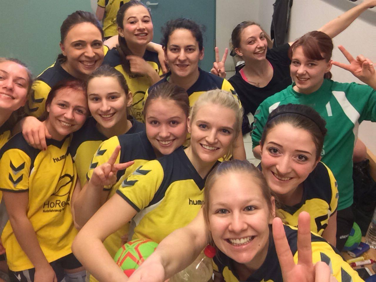 Die Damen der Handball-Füchse spielen ihr erstes Spiel gegen Palzing.