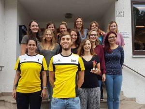 Die neu gegründete Damenmannschaft der Scheyerer Füchse absolvierte das Fuchsturnier.