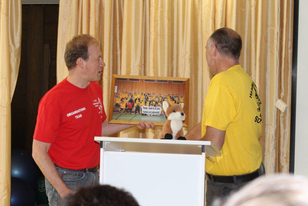 Der neue Abteilungsleiter Robert Hofmann und der alte Abteilungsleiter Thomas Fleischhauer